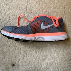 Shoes - Nike Fusion Sneakers